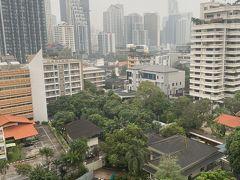 ■初めて!  今週月曜日、バンコクに来て初めて雨が降った。