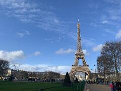 はい、エッフェル塔到着。 パリ来た!って感じ。