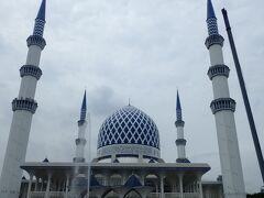 そして次はブルーモスクです。 王立でマレーシアで一番大きなモスクだそうです。