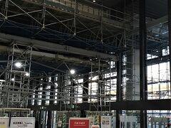 伊丹空港はまだまだ工事中なんですね。 新しくリニューアルオープンしたエリアが結構広かったのでもう終わったのかと思っていました。