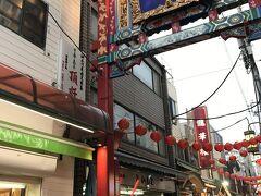 市場通りから関帝廟通りへ