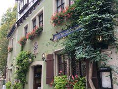 ローテンブルクで泊まったのは、街の真ん中にあるこのホテルです。 雰囲気が素敵すぎて、1泊しかしないのがもったいないくらい!