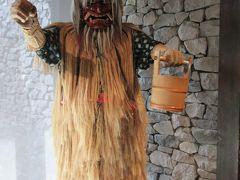 館内のあちこちになまはげのマネキンが展示されてます。
