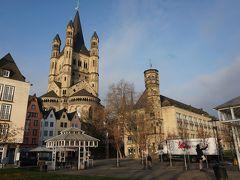 フィッシュマルクト広場から見えている教会は、ザンクト・マルティン教会(St. Martin Cathedral)。