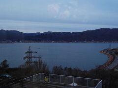 楽しいスキーでした 帰りの諏訪湖 順調に8時前に到着しました