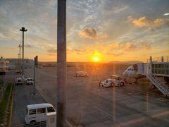 搭乗を開始したのは18時過ぎ、日もだんだん落ちてきました。  また来ます、鳩間島と石垣島!!