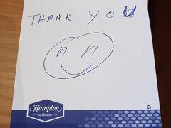 チップとして毎回2ユーロコインを置いておきました。 メモに「thank you」と書いておくと返事がもらえました(^^♪