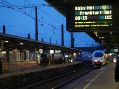 ブリュッセル南駅 8:23発、フランクフルト中央駅行きのICEに乗ります。 ケルン中央駅着 10:15  チケットは3か月前、復路のタリスと一緒にSNCBから購入 1等 79,80ユーロ(2名) ドイツ鉄道サイトでも購入できます。  <ベルギー国鉄[SNCB]公式サイト> https://www.b-europe.com/EN  <ドイツ鉄道[DB]公式サイト> https://www.bahn.com/en/view/index.shtml