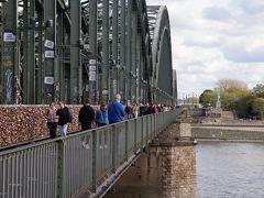 プロイセン公から国王になり、ドイツの皇帝にもなったホーエンツォレルン家の名前が付けられた橋・・・