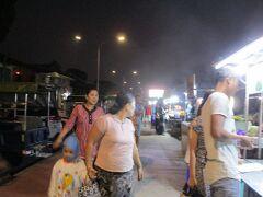 川添のナイトマーケット。