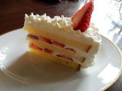 松江城出たらすぐ興雲閣内亀田山 喫茶室にて美味しいケーキ