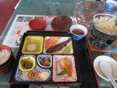 日光に着いて、まずは早めの昼食です。昼食場所は中禅寺湖畔の常陸屋さんでした。ニジマスの甘露煮は頭まで柔らかくておいしかったです。