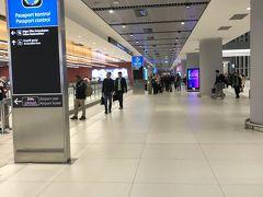 6:20にイスタンブール空港到着。2018年に出来た空港でめっちゃ広くめっちゃ綺麗。