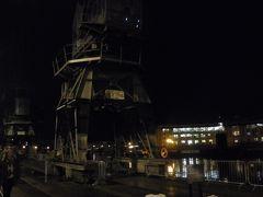 夜の港を散策