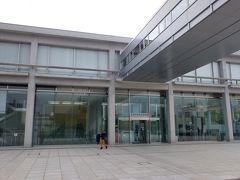 広島市街に戻り、平和記念資料館へ。最近リニューアルされた原爆の資料館。