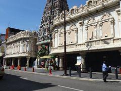 バス乗り場のある、パサール・スニはチャイナタウンの最寄り駅でもあります。 ちょうど、お昼の時間になったのでチャイナタウンを観光しながらランチを摂ることにしました。 スリマハマリアマン寺院はヒンズー教の寺院