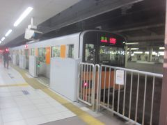 東武東上線05:30発準急小川町行に乗って出発
