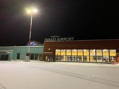 イヴァロ空港に到着!