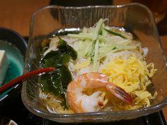 ●やまと庵本店@JR奈良駅界隈  やっぱり奈良と言えば、三輪そうめん。 この暑い時期に、喉越しよく、つるつると入っていきます。 奈良の地物が食べれて良かった! ごちそうさまでした!