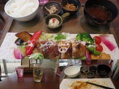 M's DININGでいつもの昼食。
