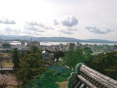 《松江しんじ湖温泉》のある宍道湖も見渡せます。