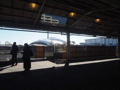 鹿児島駅に到着。私が子供の頃は、「鹿児島のターミナル駅は鹿児島駅ではなくて西鹿児島!」ってのが、図鑑などに書かれている交通トリビアの定番だったものです。今は西鹿児島→鹿児島中央駅となったので、間違われることは減ったのかな。