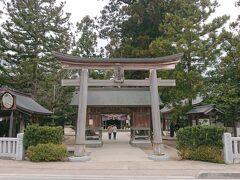旧大社駅から下道を走り1時間、松江方面へ戻り《八重垣神社》に来ました。
