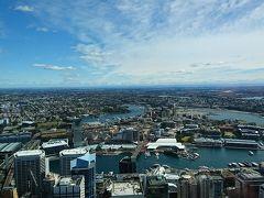 とても眺めがいいです。都会的な景色や湾内の様子がよく分かります。そしてなによりどこまでも続く青空が素晴らしい。