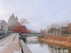 デュルビュイ城が奥に見えますね