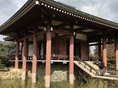 中宮寺には 美しい「如意輪観世音菩薩」が...  その姿は本当に美しくて見惚れてしまい しばらくその場を離れませんでした  法隆寺を訪れたら足を伸ばして ぜひ拝観したい菩薩様です  癒された^^
