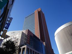 三軒茶屋のランドマーク「キャロットタワー」。  最上階に入場無料の展望ロビーがあるというので、26階へGO!