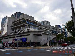 お台場はショッピングモールやレジャースポットが集まっています。 最初にあったのは、デックス東京ビーチhttps://www.odaiba-decks.com/  旅行記⇒https://4travel.jp/travelogue/10988297
