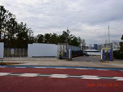 お台場海浜公園の西隣にある潮風公園 http://www.tptc.co.jp/park/01_03 も整備中で入れません。