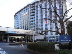 五反田出口から3km、10分。 本日の宿はシェラトン都ホテル東京。