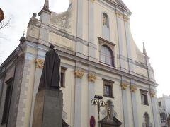 聖ミクラーシュ大聖堂。バロック様式の建物。