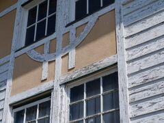 浦島屋のすぐ近くには、龍驤館と言う建物もあった。 大正7年(1918)に、明治天皇即位50年記念事業として建てられたものらしい。