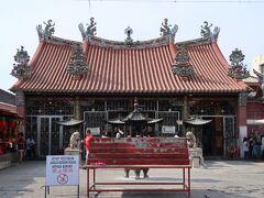 ペナン最古の寺、観音寺を拝観。