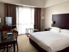 アラフォー体力の限界なのでホテルへ。16:00 Hotel Capitol Kuala Lumpur 2,000円くらいだったような。18階です♪広くてテンション上がりました~