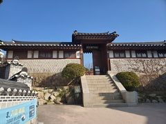 北村韓屋村。無料でいろいろ見学できます。ここはとても良かったです。