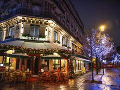 12月30日(日)。パリ4日目。  午前8時頃、Uberを呼んでサンジェルマン・デ・プレへ。 暗いせいか、朝なのに人の気配があまりしません。  いつもは混雑しているドゥ・マゴも閑散としています。