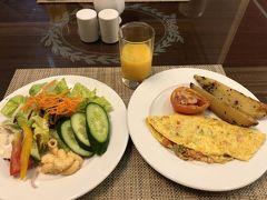 ホテルで朝食@ロイヤルローズホテル