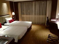 今回、年末年始の前半12/29から1/1までは、こちらのサンワールドダイナスティホテル台北(王朝大酒店)に宿泊します。 台北アリーナが目の前にあり、台北松山空港も近いホテルです。