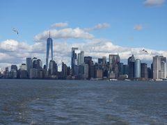 マンハッタンのビル群を海上から