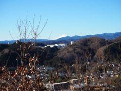 いい天気だー!富士山もみえていました。  うん、あっという間(笑)靴は何となく書いてあったことがわかったような…?もうちょっと長い時間歩いても大丈夫な気がするので、感覚忘れないうちに、またどっか歩きにいこうと思います♪