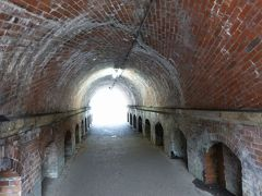 このトンネルを、「ねじりまんぼ」と言うそうです。  トンネルの強度を増すために、螺旋状にレンガを積み上げています。