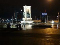 タクシム広場の中心のモニュメント。
