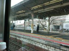 JR大津駅停車雪が強くなる