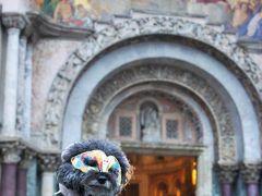 サンマルコ寺院の前で。