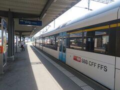 リヒテンシュタインを出発してまだ14時前だったので、チューリッヒに戻る前に、 ハイジ村のあるマイエンフェルトに寄ることにしました。  ザルガンスからマイエンフェルトまでは普通列車で2駅です。
