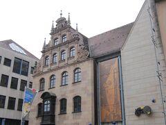 ニュルンベルクの街は、14世紀以降、おもちゃの生産が盛んな地でもある 「おもちゃ博物館」で地元で作られたのと世界から集められたおもちゃのコレクションを見れる。